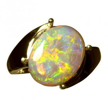 Opal Ring 14k Gold Brilliant Colorful Solitaire Gem