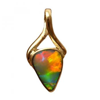 Opal Pendant 18k Yellow Gold Inlaid Triangle