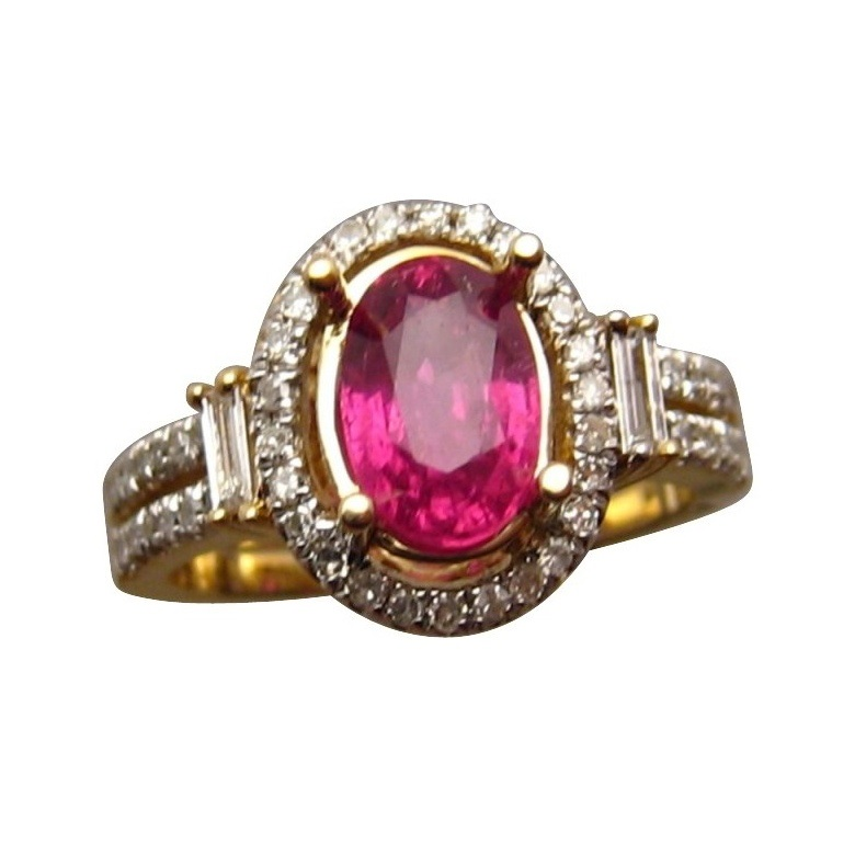 Ruby Ring with Diamonds in Gold